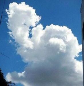 アンパンマンが雲になって